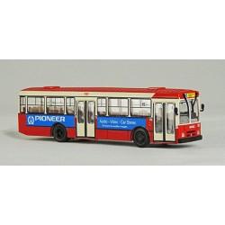 Autobús Pegaso 6038 de TMB publicitat PIONEER